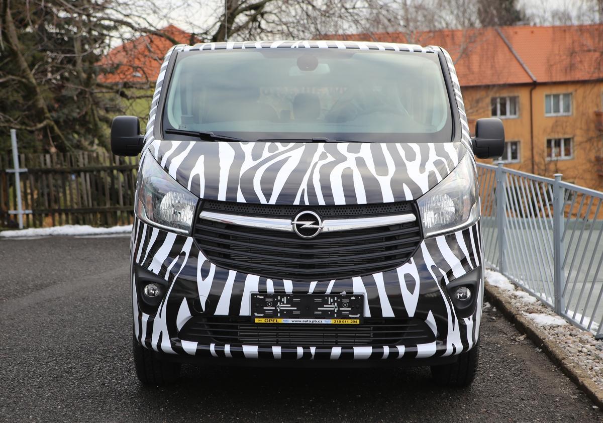 Auta s.r.o. - Polep vozu Opel Vivaro