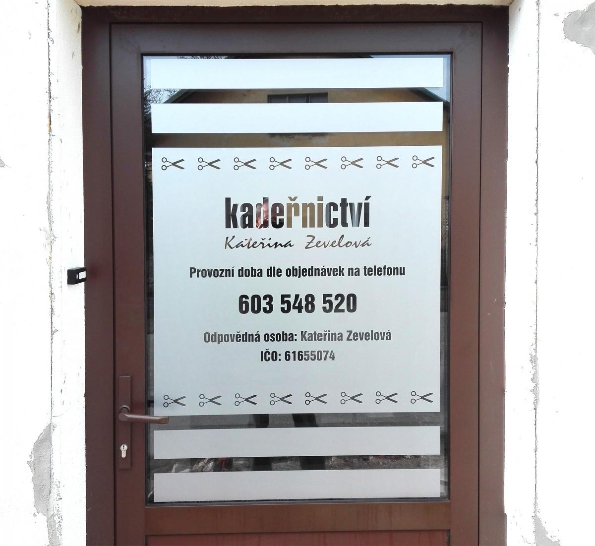 Kadeřnictví Kateřina Zevelová - Polep dveří pro kadeřnictví