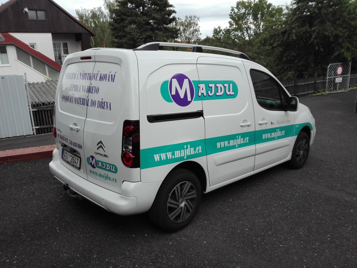 Majdu - Polep firemního vozu