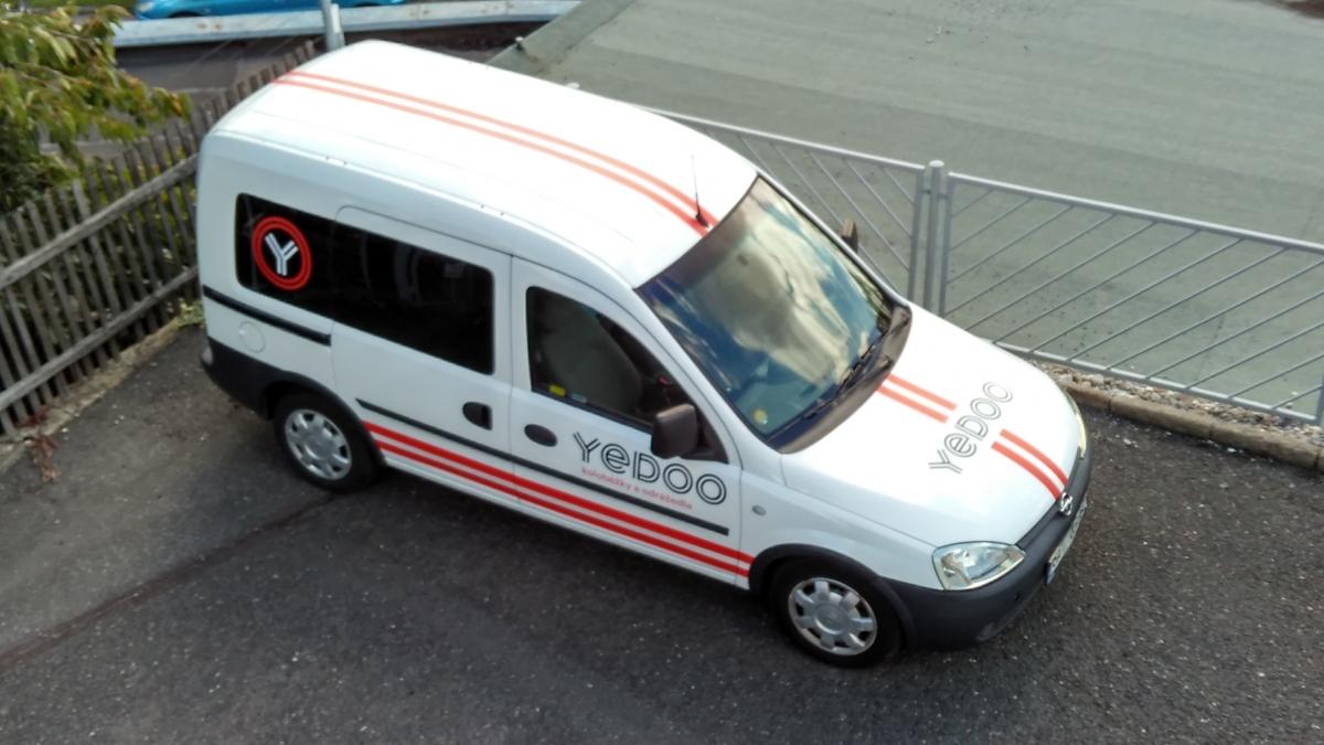 Yedoo koloběžky - Celopolep firemního vozu
