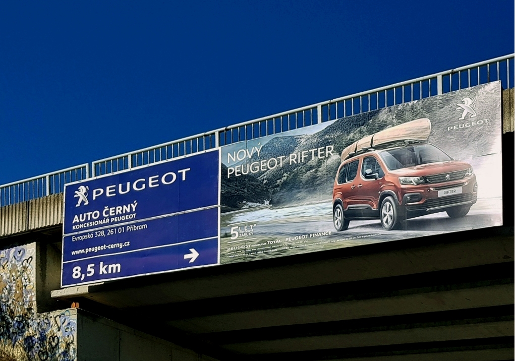 Auto Černý Příbram - Poutač Peugeot 8x2m