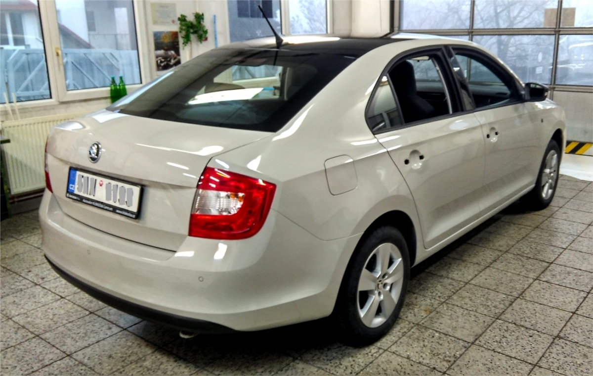 klient - Celopolep vozu Škoda Rapid Wrapping Film Grey