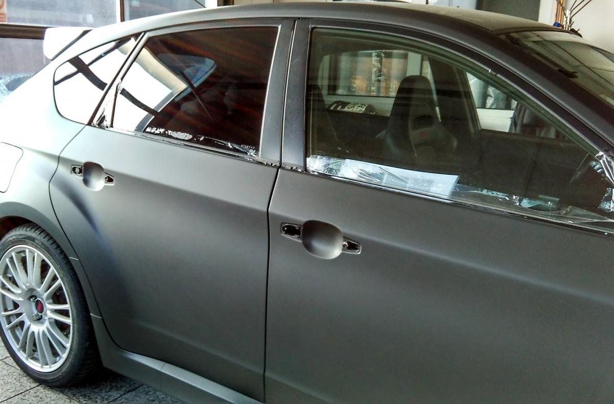 Auto Černý Příbram - Polep vozu Subaru wrapping film black mat