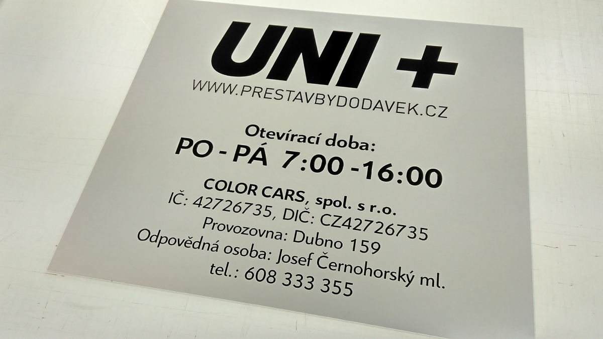UNI+ - Gravírovaná deska