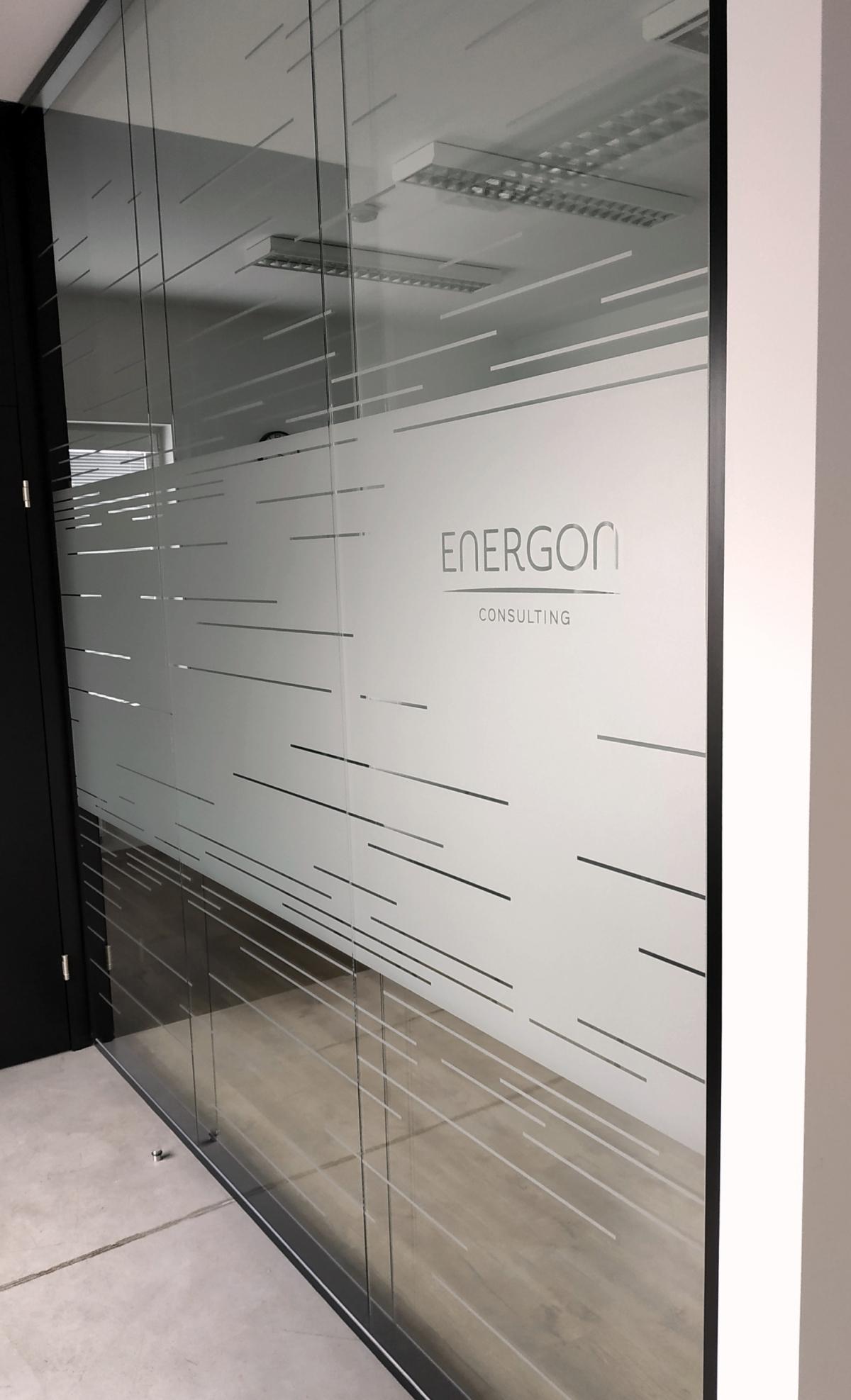 Energon Dobříš - Polep skleněných výplní v interiéru - imitace pískovaného skla
