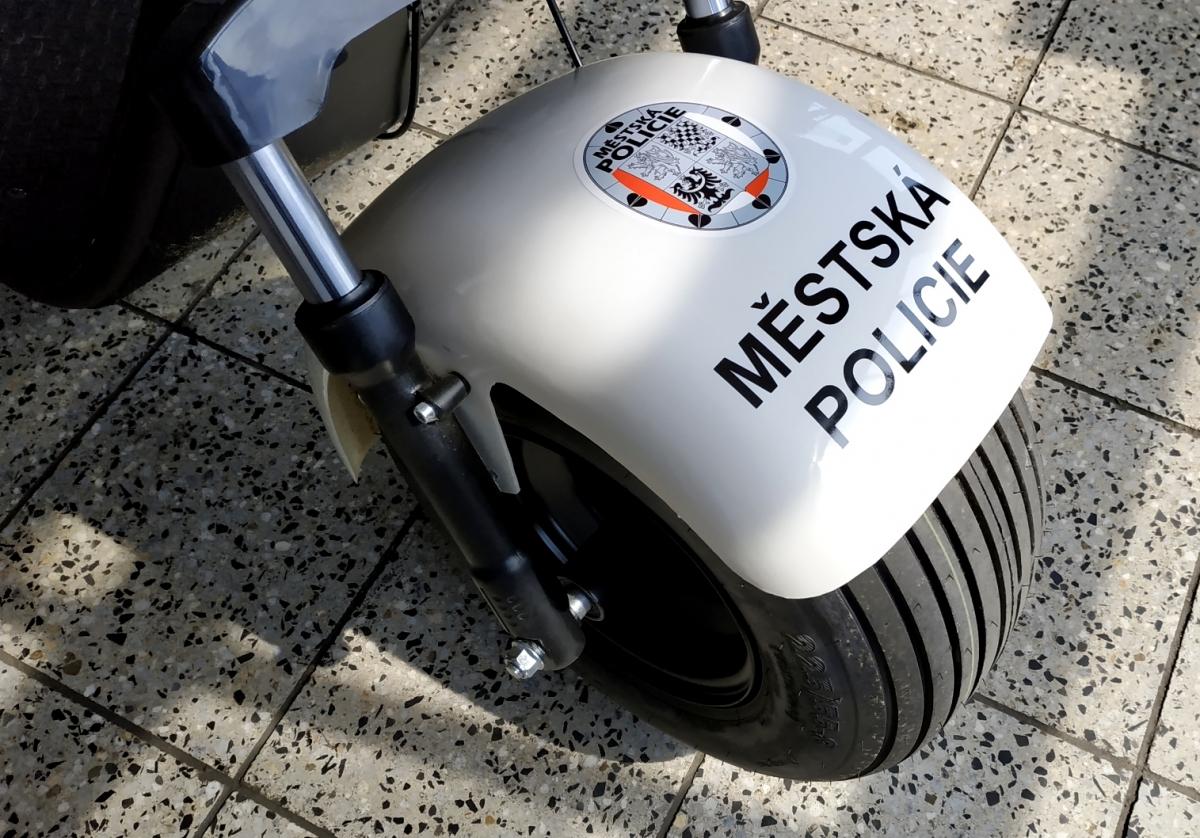 Městská policie v Příbrami - Polep elektrických koloběžek a výroba výstražných cedulí
