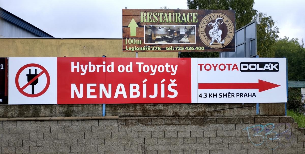 Toyota Dolák - Reklamní poutač 9x1,5m