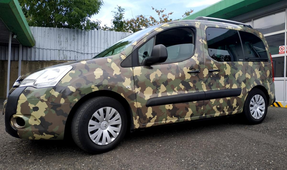 klient - Polep vozu Citroen Berlingo - camouflage