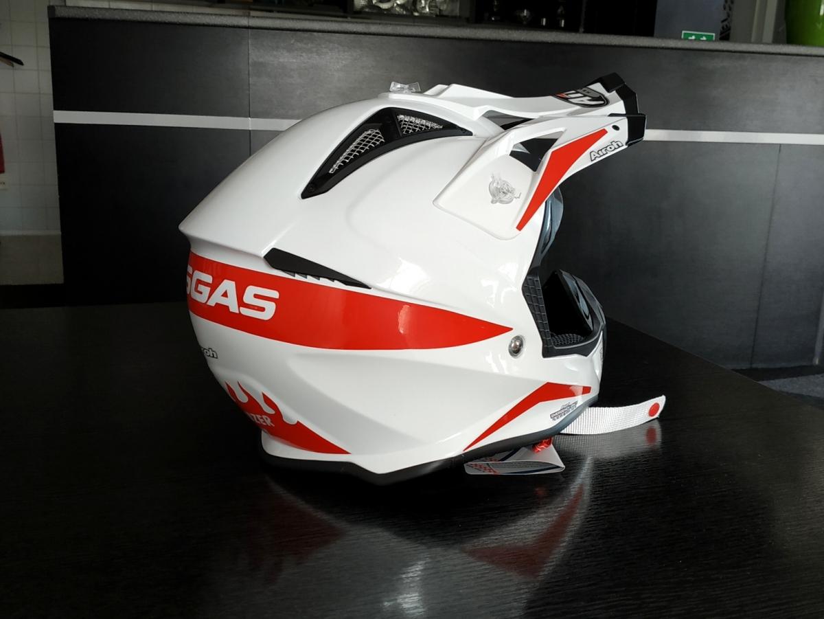 klient - Polep motocyklové přilby