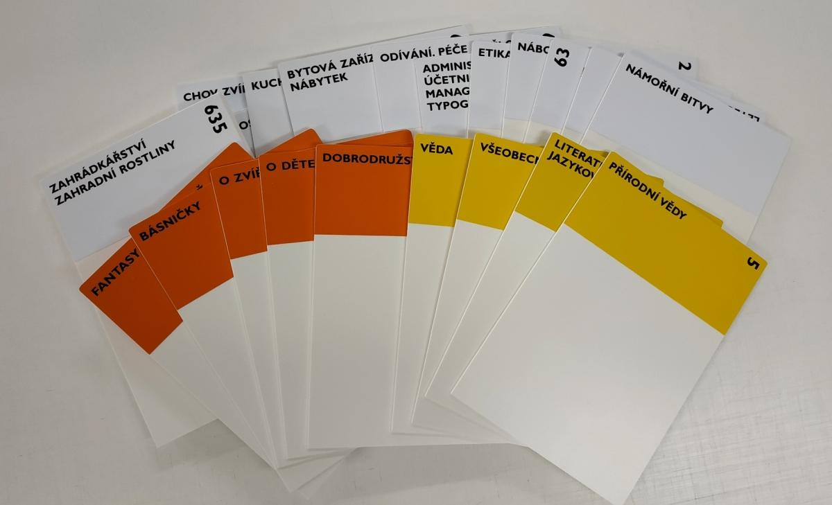 Knihovna Hostomice - Plastové pořadače - cedulky