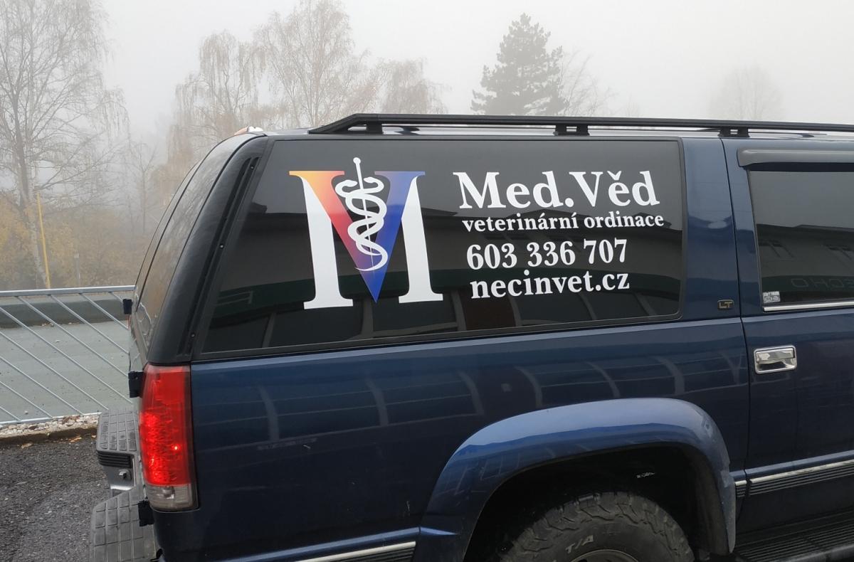 Med.Věd veterinární ordinace - Polep firemního vozu, cedule