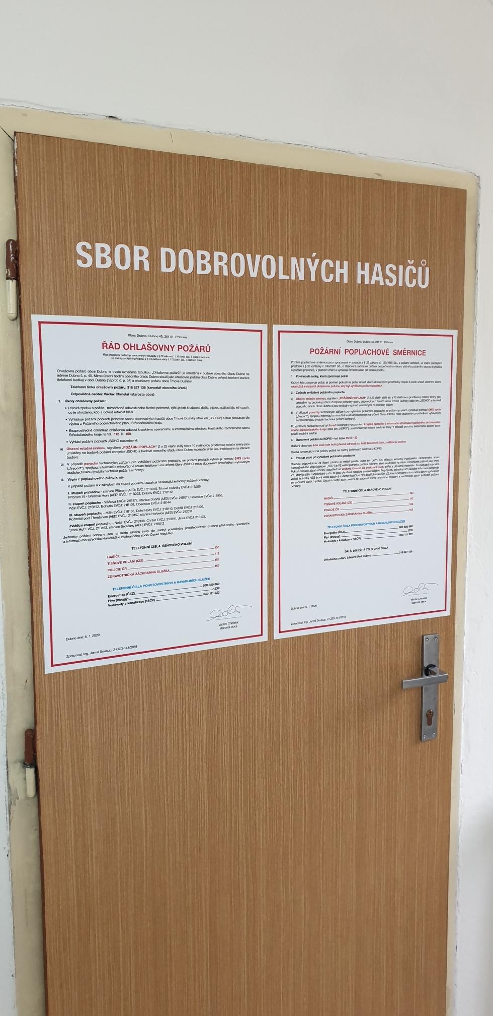Samolepy na dveře